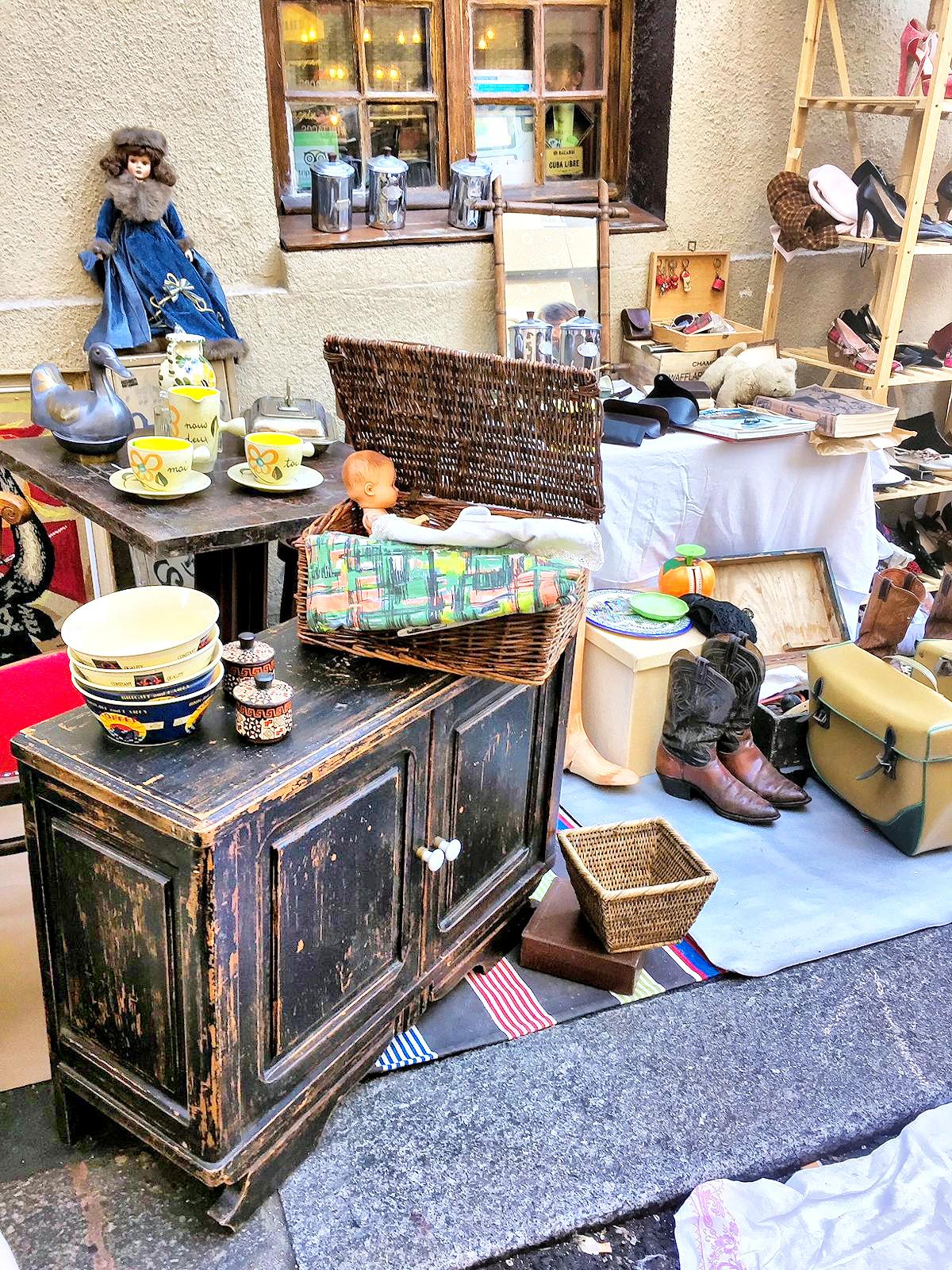 Блошиный рынок в Париже - приключение для любознательных