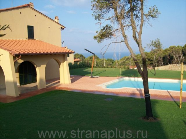 Buy semi-detached house in Livorno at the sea