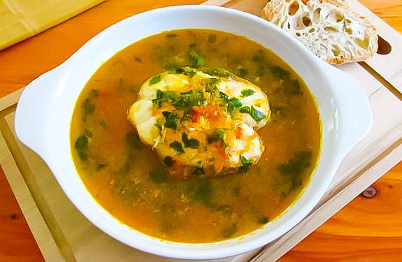 Томатный суп с акулой